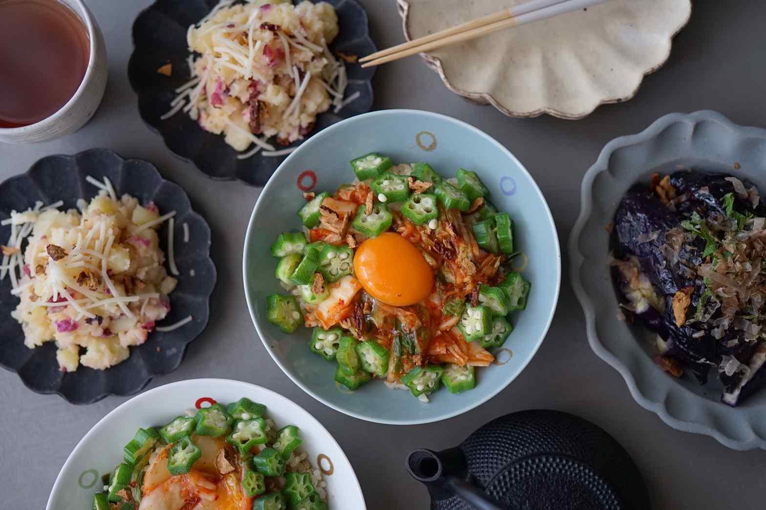 レンジで簡単なすの煮浸し、オクラとキムチのねばねば丼、しば漬けの和風ポテサラ、メロンのスムージー