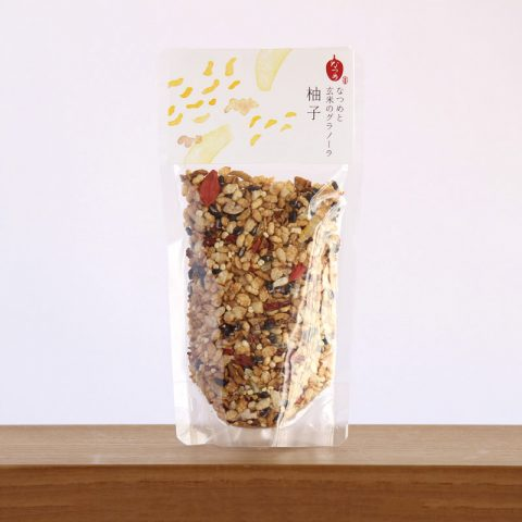 なつめいろの玄米となつめのグラノーラはとても美味しい。ミネラル・ビタミンB群・たんぱく質・食物繊維がたっぷり、貧血や更年期・PMSに良い