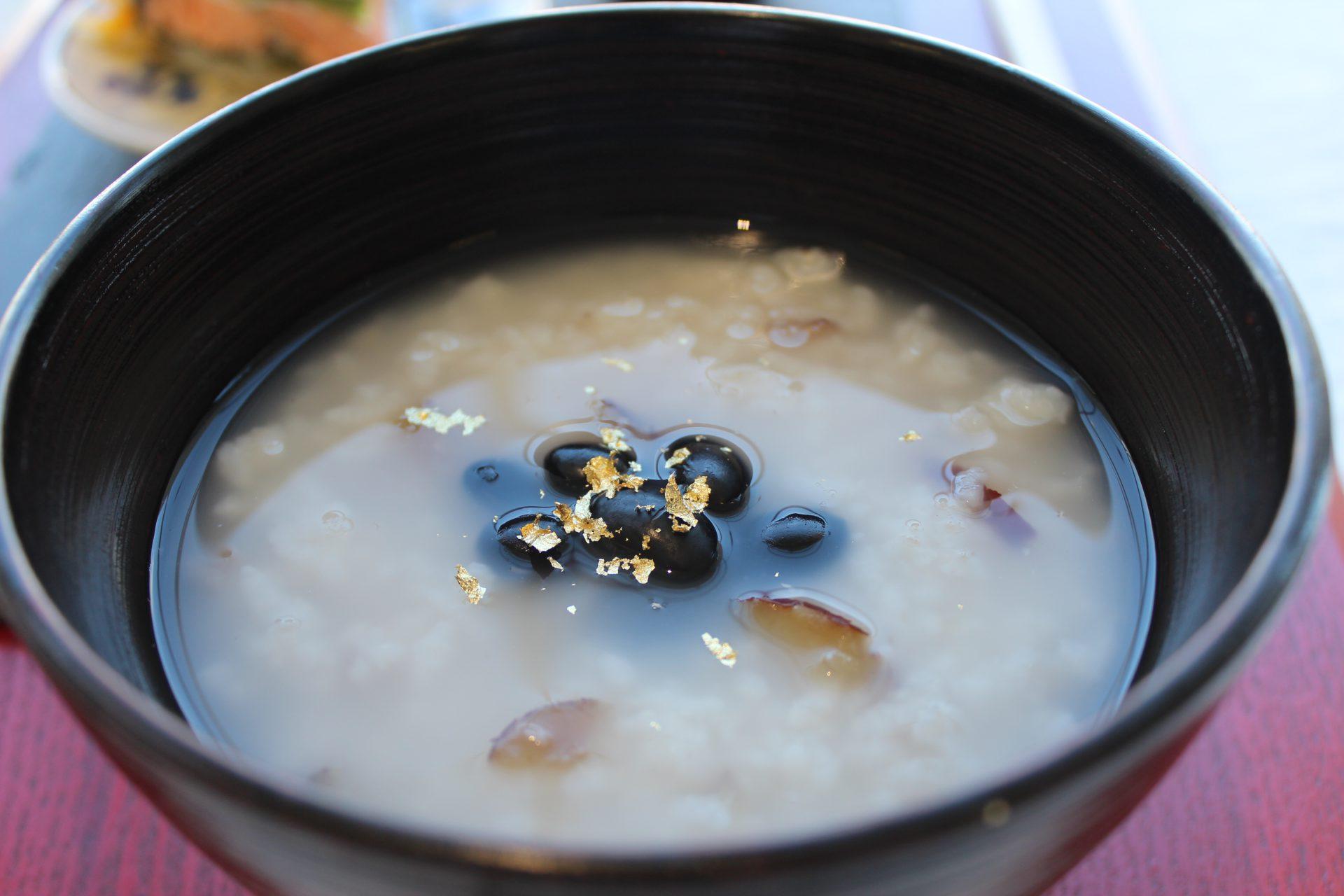 なつめいろの玄米となつめのグラノーラはとても美味しい。ミネラル・ビタミンB群・たんぱく質・食物繊維がたっぷり、貧血や更年期・PMSに良い。  なつめいろの棗で作ったナツメチップ(ナツメチップス)は鉄分・葉酸がたっぷり、美肌に効く。そして妊娠(妊活)から更年期障害まで効果的。