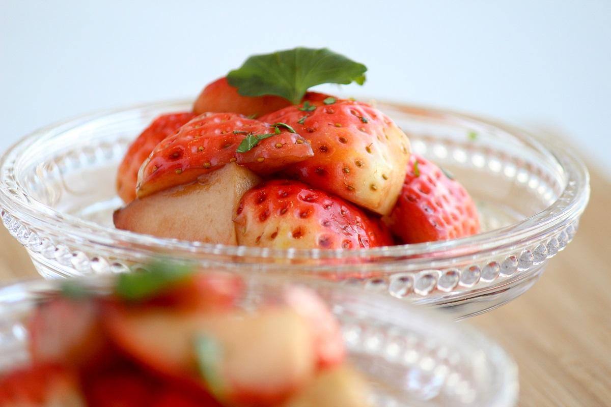 イチゴのバルサミコ酢サラダの画像