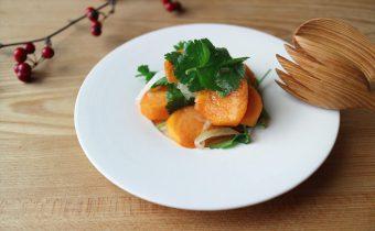 なつめ レシピ「柿とパクチーのサラダ」