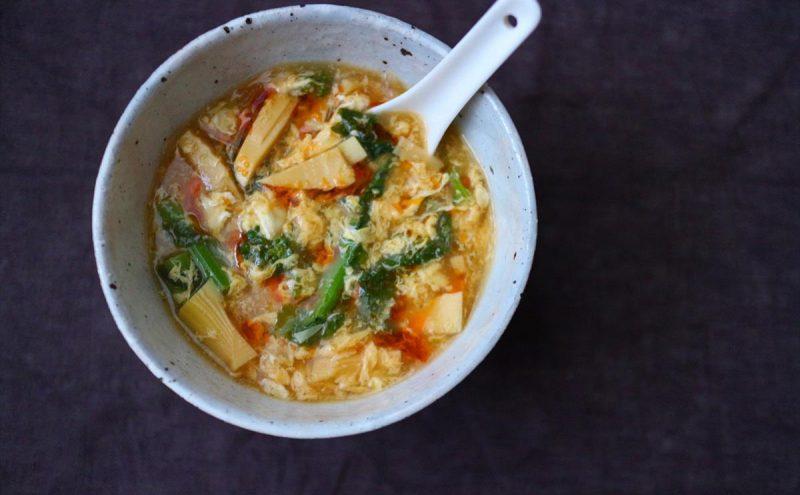 なつめレシピ 「菜の花と筍のサンラータンスープ」