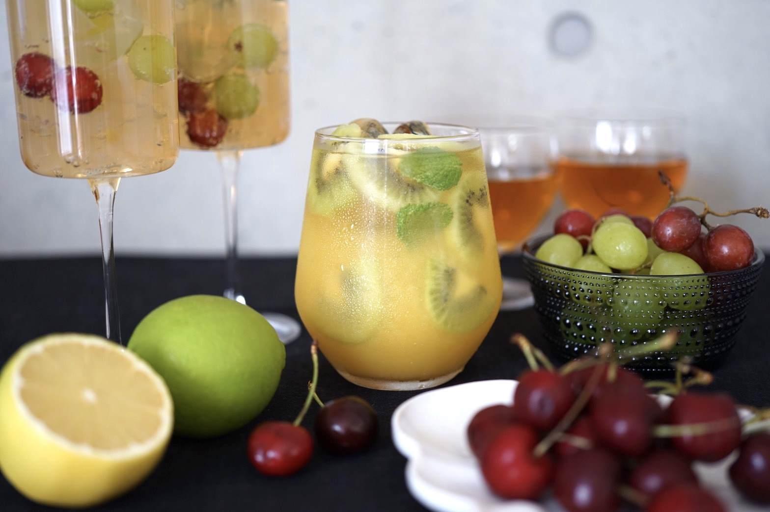 オレンジなつめティー、シリアルで和風パフェ、チェリーとヨーグルトのシェイク、コーディアルシロップのクラッシュゼリーソーダ