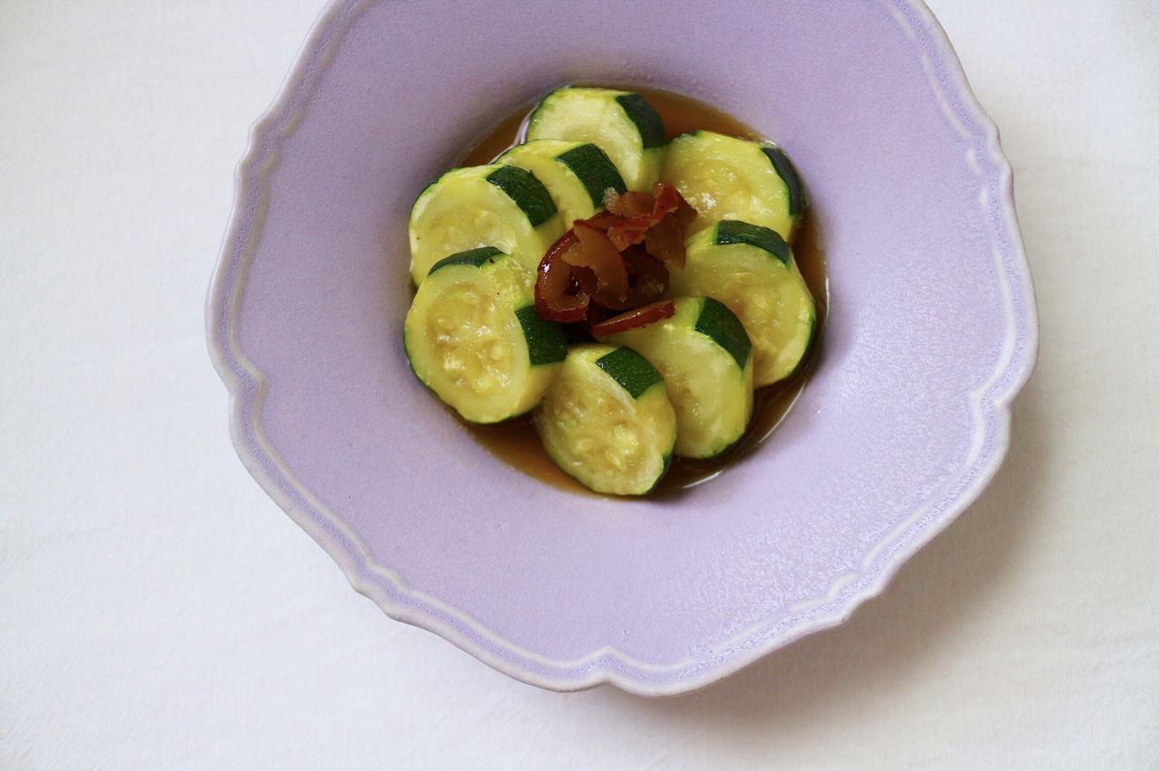 なつめは鉄分が豊富で女性に食べていただきたい果実です。楊貴妃の美容の素だと言われています