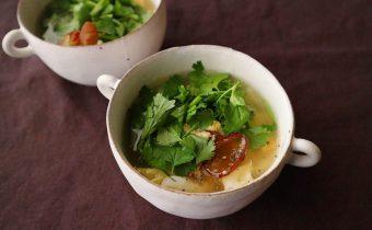 なつめ レシピ 白葱とパクチーの玉子スープ