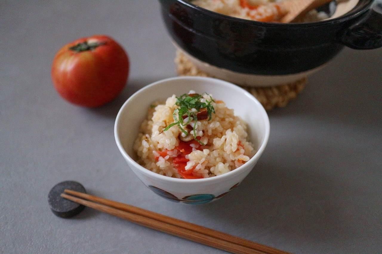 なつめチップとトマトのご飯の画像