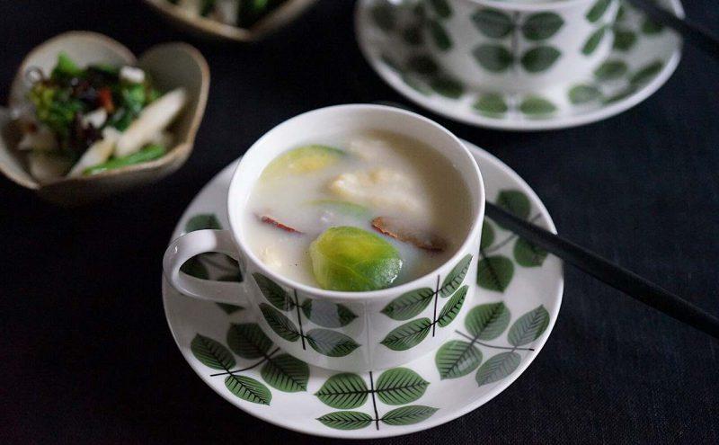 なつめ レシピ 「芽キャベツの米粉クリームシチュー」