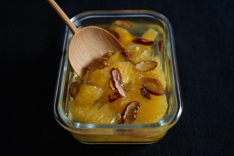 なつめは女性に嬉しい鉄分が補給できます。冷え症や美肌に良い果物です